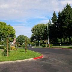 Photo taken at Courtyard Sacramento Rancho Cordova by Iben R. on 9/1/2013