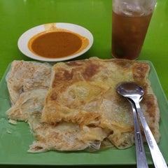 Photo taken at ABC MAIDEEN FOOD'S CORNER by Nurul Cheong on 5/9/2014
