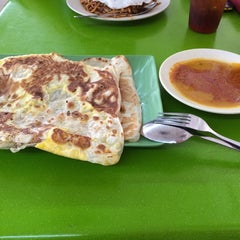 Photo taken at ABC MAIDEEN FOOD'S CORNER by Nurul Cheong on 10/13/2014