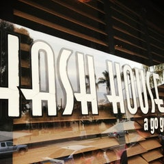 Photo taken at Hash House a Go Go by Colin G. on 3/31/2013