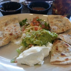 Photo taken at Ninfa's Mexican Restuarant by Marlon R. on 5/24/2013