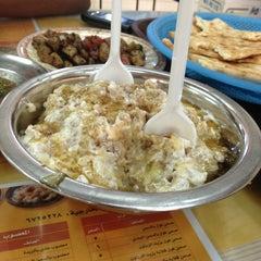 Photo taken at فول و تميس الغامدي by Yousof A. on 8/19/2013