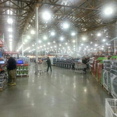 Photo taken at Costco by Laurie J. W. on 12/31/2012