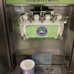 Photo taken at Yogurt Mountain by Denise D. on 9/9/2013