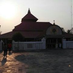 Photo taken at Masjid Gedhe Kauman by Danu P. on 9/26/2015
