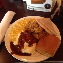 Photo taken at Shoney's by Bobby J. on 11/27/2014