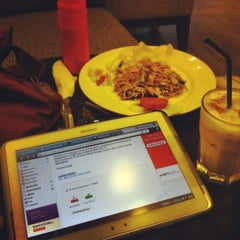 Photo taken at CoffeeBen's & Resto by Ratih A. on 10/20/2012