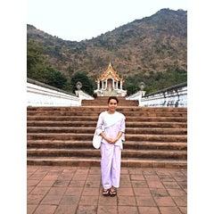 Photo taken at วัดเขาสมโภชน์ by Naphat P. on 12/14/2013