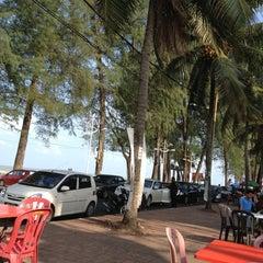 Photo taken at Pantai Batu Buruk by Rusdi A. on 3/8/2013