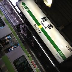 Photo taken at 新宿駅 (Shinjuku Sta.) by Makino S. on 6/30/2013