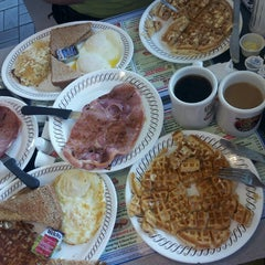 Photo taken at Waffle House by Dennis L. on 3/24/2013