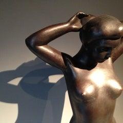 Photo taken at Yale University Art Gallery by Michael S. on 11/30/2012