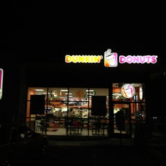 Photo taken at Dunkin Donuts by Stevo on 3/23/2013