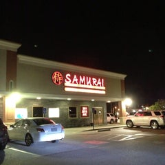 Photo taken at Samurai Japanese Cuisine Sushi Bar & Grill by Tracey C. on 5/12/2013