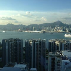 Photo taken at EAST Hong Kong 東隅 by Serkan K. on 7/29/2013