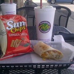 Photo taken at Tropical Smoothie Cafe by Susan C. on 5/6/2013