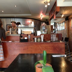 Photo taken at Pourquoi Pas Espresso Bar by Yossi on 7/26/2013