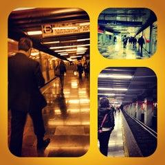 Photo taken at Metro Viaducto (Línea 2) by Raul M. on 11/30/2012