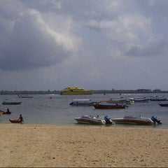 Photo taken at BMR Dive & Water Sports by Jong Se Liong on 12/25/2012