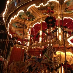 Photo taken at Frankfurter Weihnachtsmarkt by Marina S. on 11/28/2012