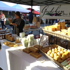 Photo taken at Pearl Farmers Market by Thien G. on 11/17/2012