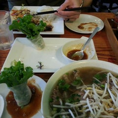 Photo taken at Papaya Vietnamese Restaurant by E B. on 5/28/2013