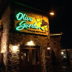 Photo taken at Olive Garden by Thomas M. on 2/2/2014