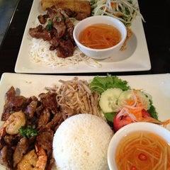 Photo taken at Pho Real Vietnamese Restaurant by Caroline K. on 10/1/2012