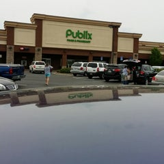 Photo taken at Publix by Robert W. on 4/27/2014