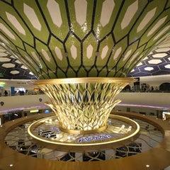 Photo taken at Abu Dhabi International Airport (AUH) مطار أبو ظبي الدولي by Visit Abu Dhabi on 4/25/2013