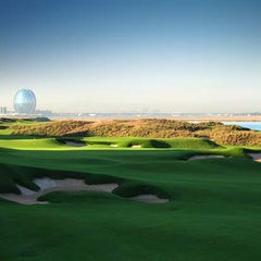Photo taken at Yas Links Golf Course by Visit Abu Dhabi on 3/18/2013