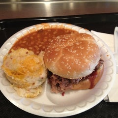 Photo taken at Dickey's Barbecue Pit by Walber C. on 2/16/2013