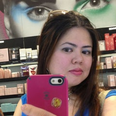 Photo taken at Sephora by Ginelle C. on 3/14/2013
