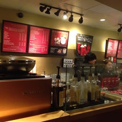 Photo taken at Starbucks by Thulo K. on 12/19/2013