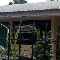 Photo taken at Dinas Pertamanan dan Pemakaman Provinsi DKI Jakarta by Wahyu FP on 1/13/2013
