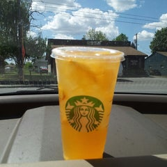 Photo taken at Starbucks by Robyn S. on 5/20/2014