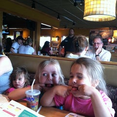 Photo taken at Applebee's by maura s. on 5/23/2014