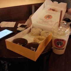 Photo taken at J.Co Donuts & Coffee by Michel M. on 7/26/2014