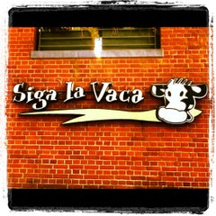 Photo taken at Siga La Vaca by Tiago M. on 11/26/2012