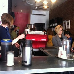 Photo taken at Gimme! Coffee by Kirk L. on 10/11/2012