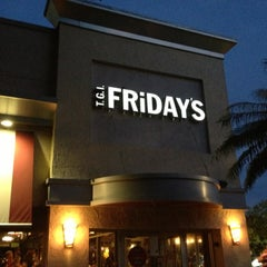 Photo taken at TGI Fridays by Rory C. on 9/28/2012