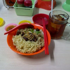 """Photo taken at Mie Keriting Siantar """"Ahok"""" by Adrian H. on 10/30/2012"""