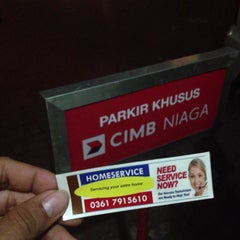 Photo taken at CIMB Niaga by fajartrisna_aj on 8/14/2013