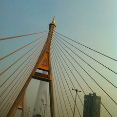 Photo taken at สะพานภูมิพล ๑ (Bhumibol 1 Bridge) by Patthira K. on 1/23/2013