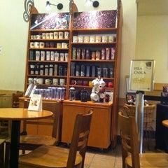 Photo taken at Starbucks by Wilson N. on 9/28/2011