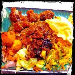 Photo taken at Original Kayu Nasi Kandar Restaurant by Yeh 😍⚽🏀🍻🍔🍱🍣😍 on 9/23/2011