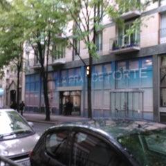 Photo taken at Siège de campagne de Nicolas Sarkozy by Xavier d. on 4/18/2012