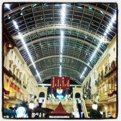 Photo taken at Mercato Mall مركز ميركاتو by azzan a. on 7/18/2012