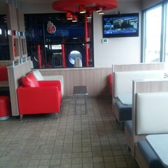Photo taken at Burger King® by Darren F. on 2/18/2012