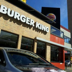 Photo taken at Burger King by Alisson D. on 5/19/2012
